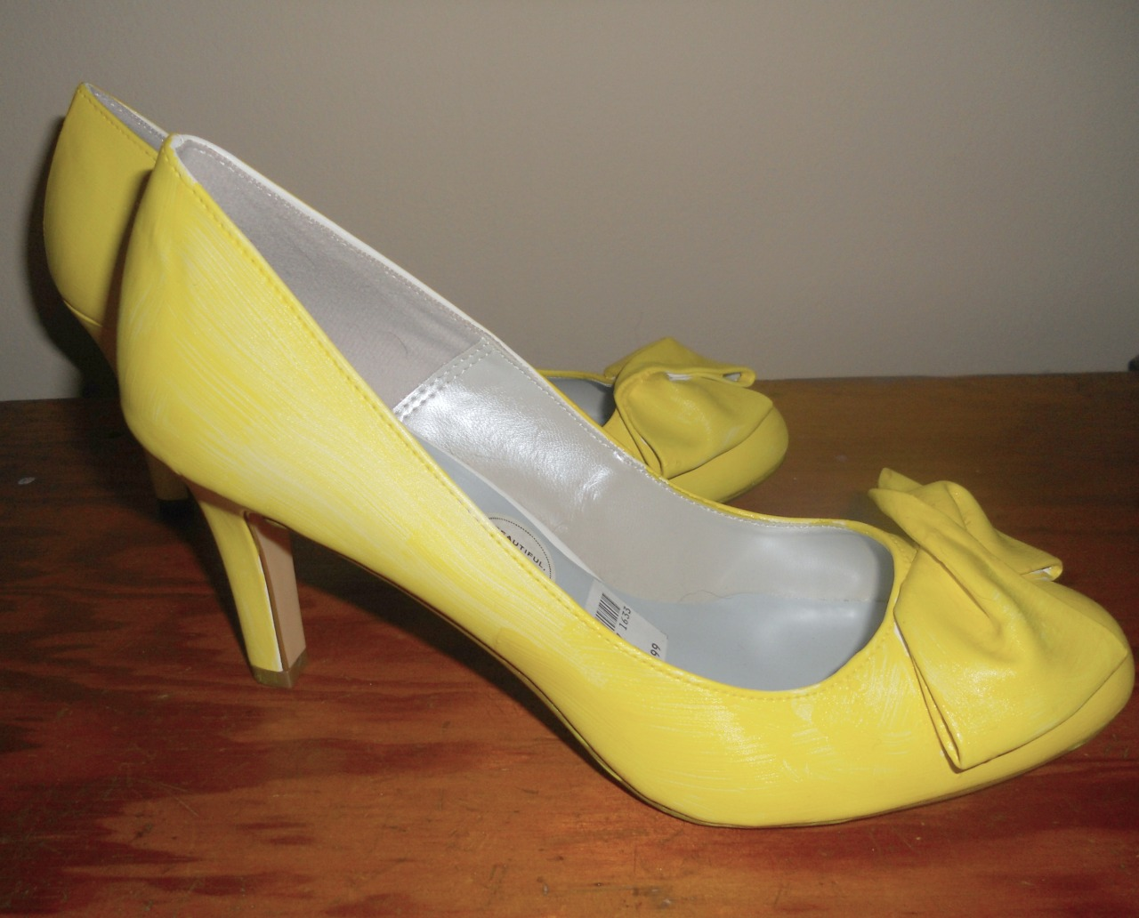 yellow shoes, final product