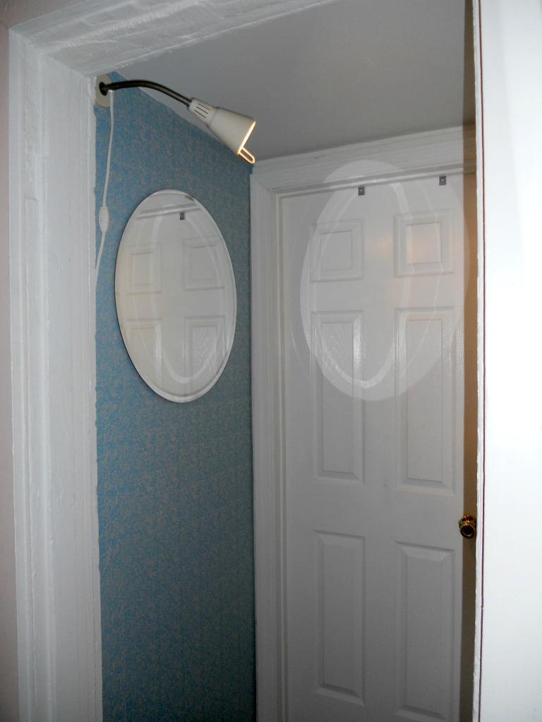 contact wallpaper hallway 2