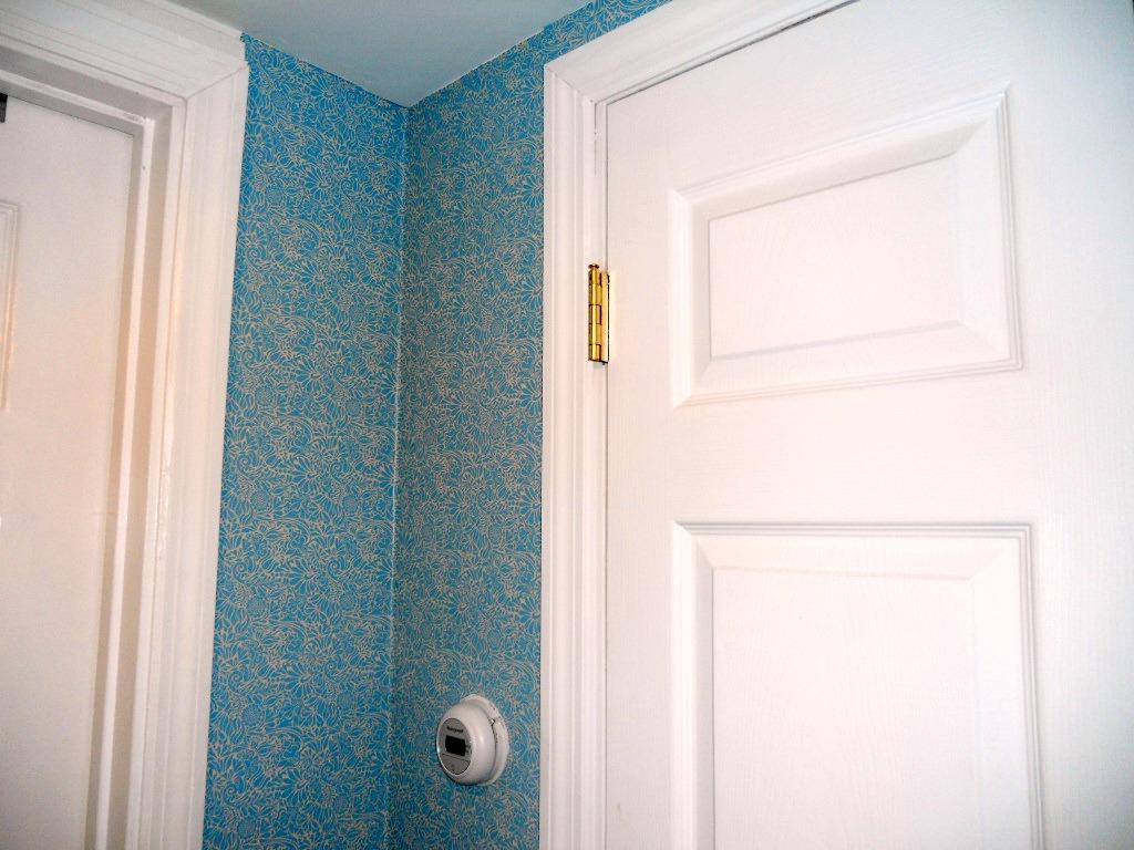 contact wallpaper hallway 3