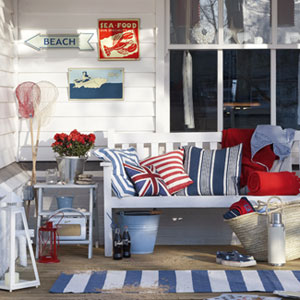 0711-bench-with-red-white-blue-decorations-mdn